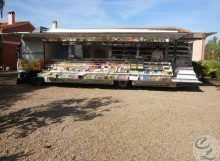 Vehículo venta de frutos secos y comestibles